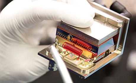 超音波光変調器、周波数シフター